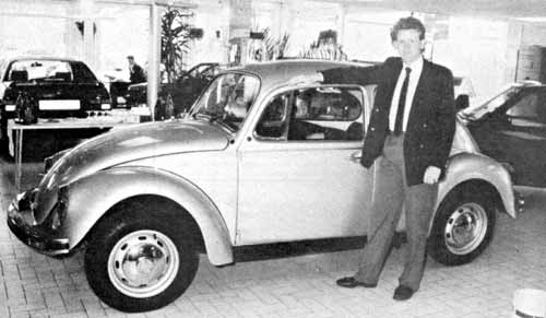 VW Motoring - September 1988 - In the showroom, with General Sales Manager Ian Wolcott