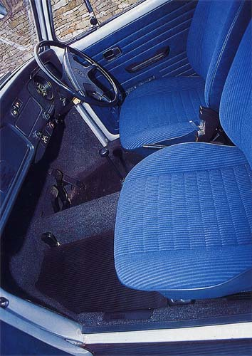 VW Motoring - May 1995 - Immaculate interior