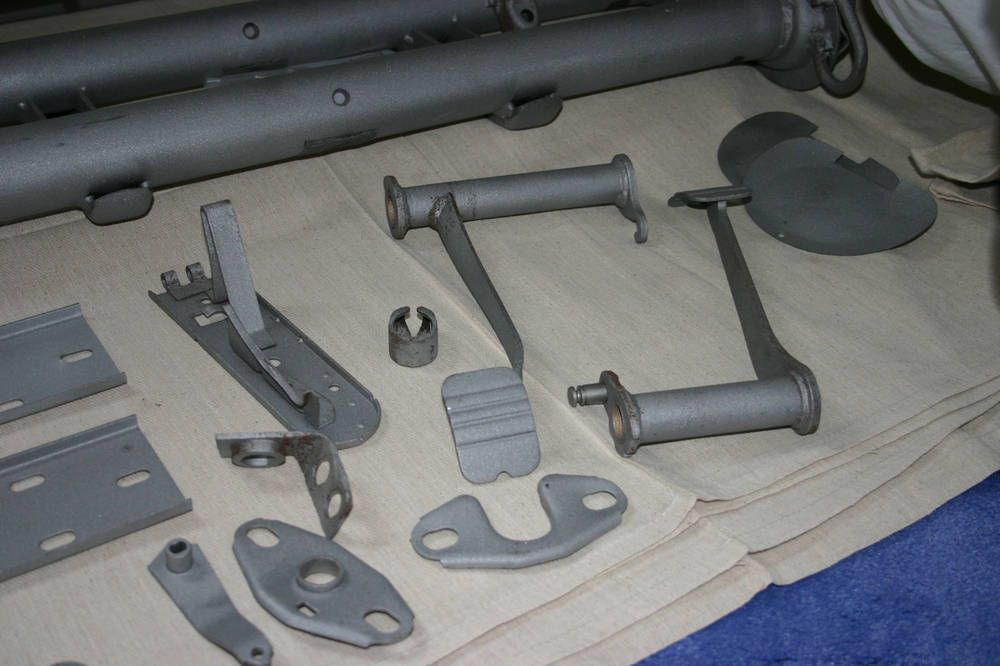 December 2005 - Assorted mechanical components